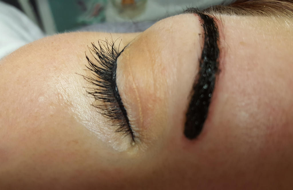 Henna-Brows-01